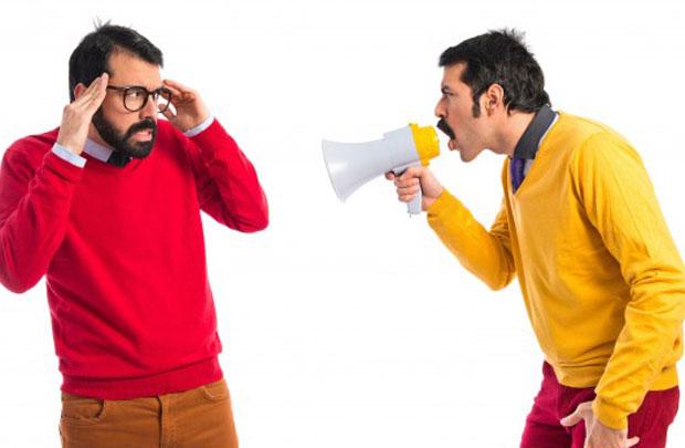 Представьте ситуацию: вы смотрите КВН или ваш друг рассказывает что-то смешное, а у вас даже улыбка не появилась на лице. Самое печальное случается тогда, когда смешно всем, кроме вас. Знакомо? В такие моменты в голове крутится одна мысль: «Могу ли я развить чувство юмора