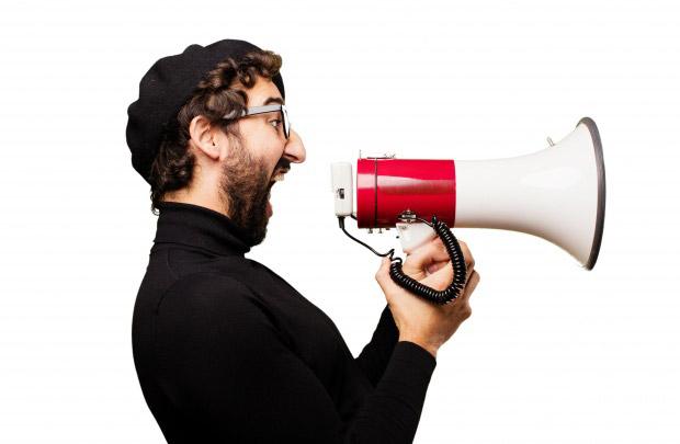 Но знать, как работает комедия - это не значит освоить ремесло. Комедия - это не бухгалтерия. И юморист - не бухгалтер. Бухгалтер - он линейный, аналитический и крикливый.