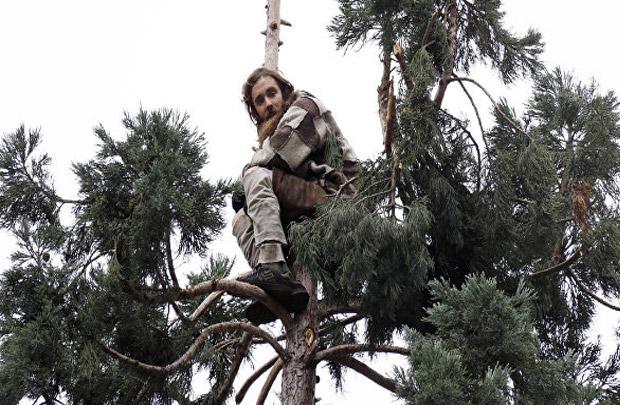 Поставьте своего героя в безвыходное положение. «Загоните его на дерево»!