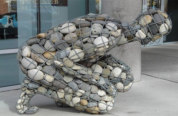 Этот конфликт, или же «бросание камней», должен быть обязательным элементом для того чтобы что-ни